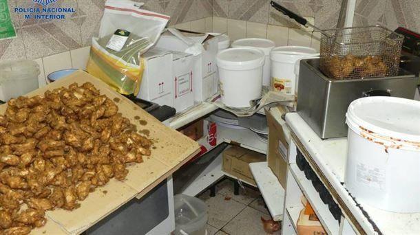 Detenidos tres trabajadores de un kebab por intoxicar la comida con