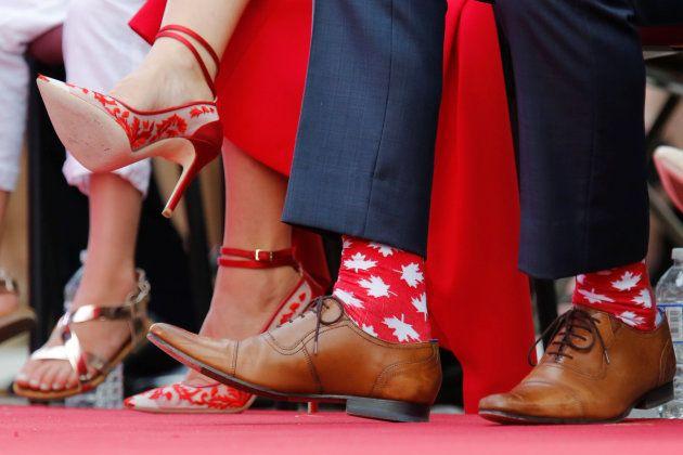Justin Trudeau y sus calcetines de hojas de arce en las celebraciones por el Día de Canadá, el 1 de julio...