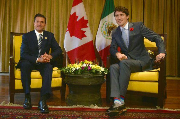 Enrique Peña Nieto y Justin Trudeau en una reunión en Vietnam en noviembre de