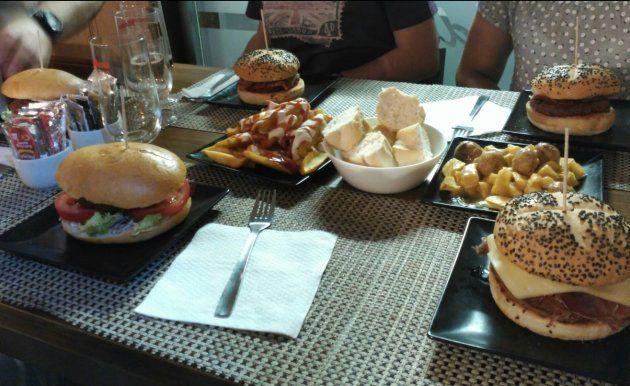 Un restaurante asturiano triunfa con su respuesta a un cliente en
