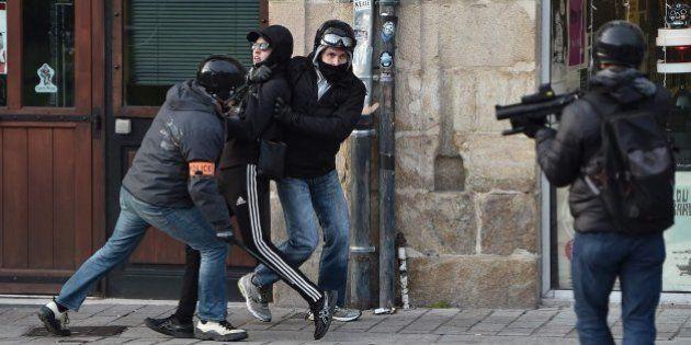 El policía francés acusado de violación ya pegó a un amigo de Théo, según