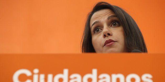 El tuit de Arrimadas denunciando la declaración de personas non gratas en Llavaneras (Barcelona) que...