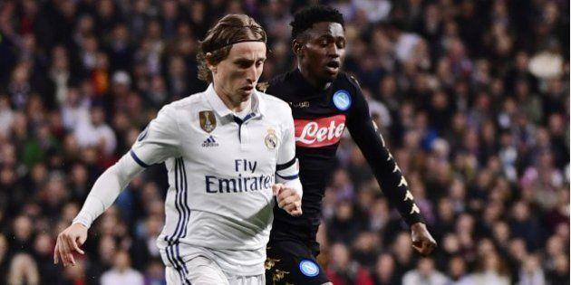 El Nápoles alinea de inicio a más jugadores españoles que el Real