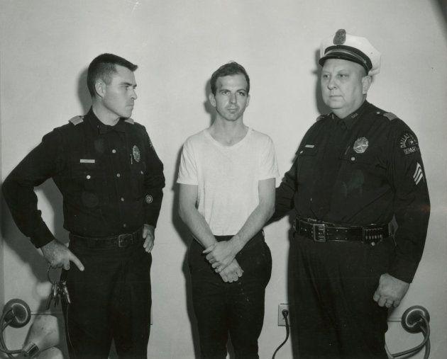 Imagen de archivo del detenido Oswald por el asesinato de