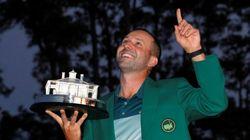 El golfista Sergio García se hace grande en