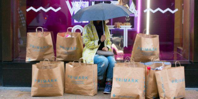 El Gobierno quiere que todos los comercios cobren por las bolsas de plástico a partir de