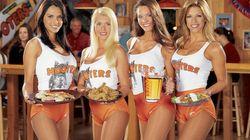La polémica cadena de restaurantes Hooters se prepara para abrir en
