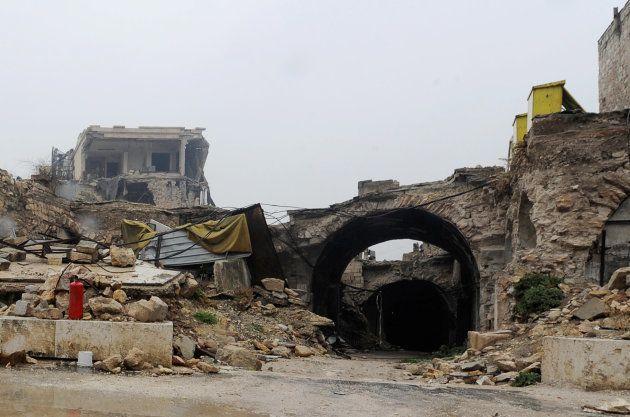 Vista de la entrada del mercado de Al-Zarab, en la ciudad vieja de Alepo, el pasado