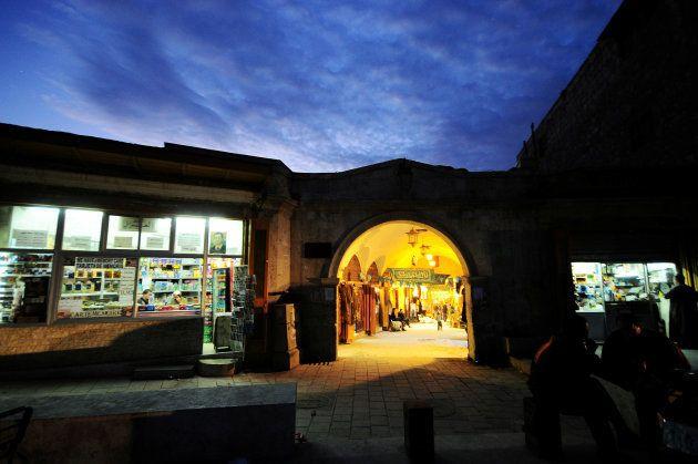 La entrada de Al-Zarab, en noviembre de 2008, antes de la