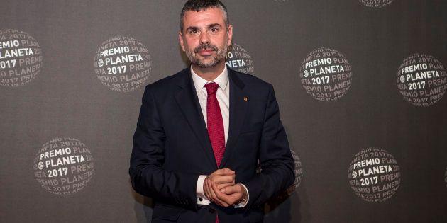 Santi Vila en la ceremonia de los Premios Planeta award en