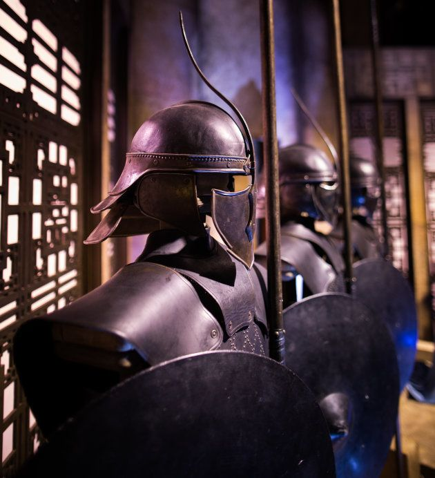 Armaduras de los Inmaculados en la sala del trono de