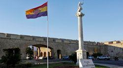 La Justicia obliga al Ayuntamiento de Cádiz a retirar la bandera