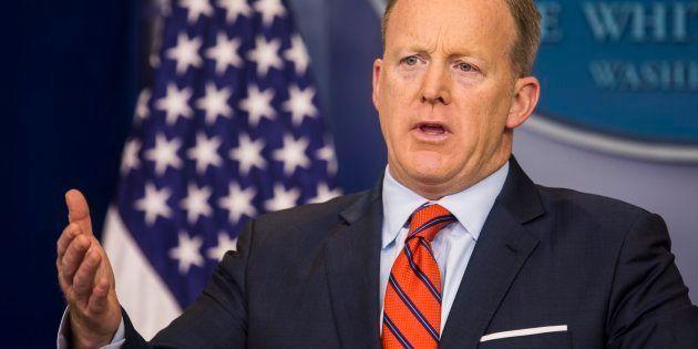 El portavoz de la Casa Blanca, Sean Spicer, durante su comparencia de