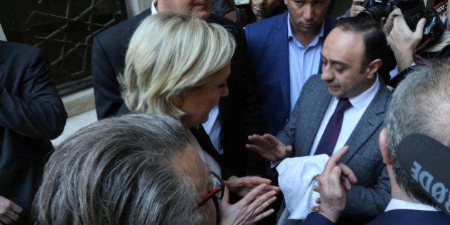 Marine Le Pen se niega a ponerse el velo y cancela una reunión con el líder religioso de