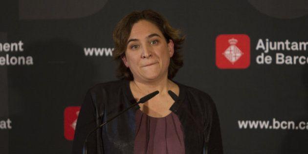 El PP de Barcelona le pide a Colau que priorice la acogida de refugiados cristianos y ella responde