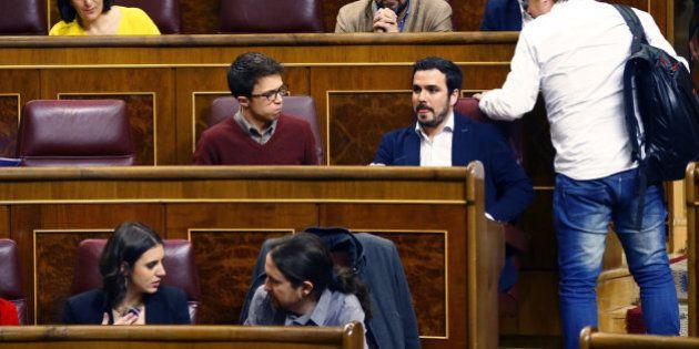Errejón pasa a la tercera fila del Congreso... y Tania Sánchez al gallinero