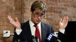 Dimite el redactor jefe de Breitbart News tras su defensa de la