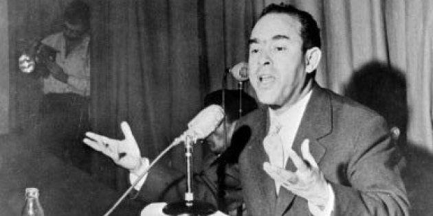 Mehdi Ben Barka durante una rueda de prensa celebrada en Casablanca en