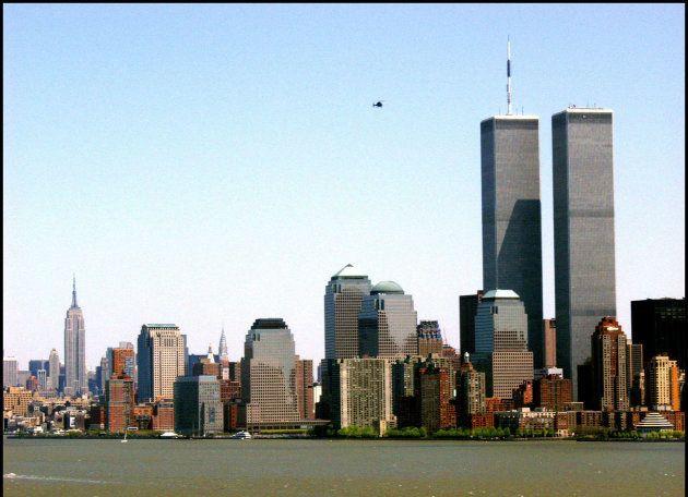 VISTA GENERAL DEL SKYLINE DE NUEVA YORK EN LA IMAGEN LAS TORRES GEMELAS ( WORLD TRADE CENTER ) Jodi Jones...