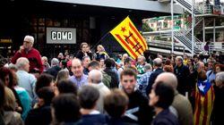 El viaje de los miembros de la Mesa del Parlament: aplausos en Barcelona, insultos y escolta en