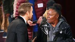 Ryan Gosling deja con esta cara a una de las invitadas a la