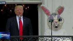 Una tele americana matiza que Trump es el de la izquierda en esta imagen y arrasa en