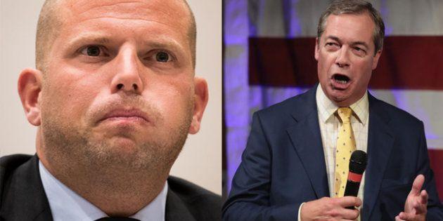 Theo Francken, secretario de inmigración belga, y Nigel Farage, líder del