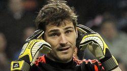 Casillas se 'enzarza' con Ballack en Twitter por el