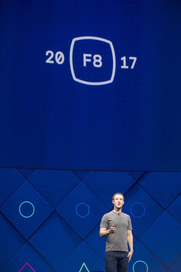Mark Zuckerberg, fundandor de Facebook Inc., habla en la Conferencia F8 de Facebook celebrada en San...