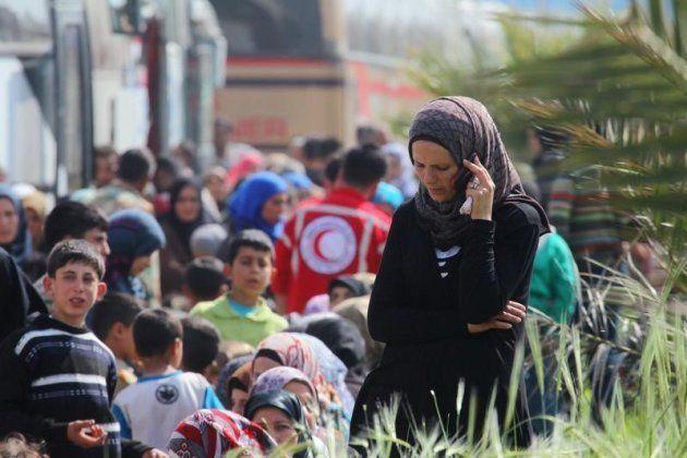 Se reanuda la evacuación de civiles y milicianos en varias zonas de Siria tras el atentado a un convoy...
