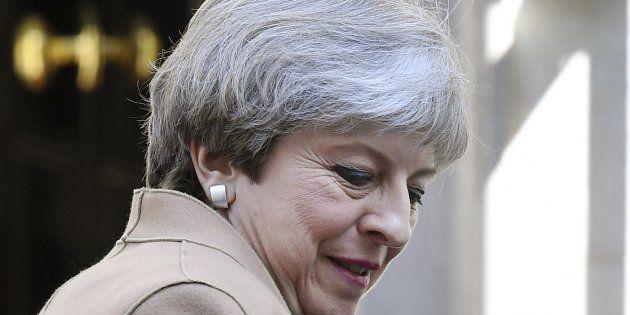 Theresa May apuesta por el partido