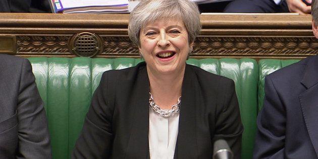 El Parlamento británico aprueba celebrar elecciones anticipadas el 8 de