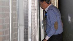 La Guardia Civil registra durante cinco horas el despacho de Ignacio