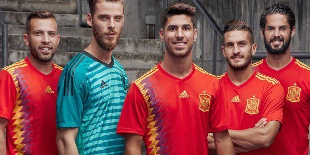 Adidas explica lo que de verdad esconde la camiseta de la