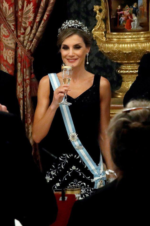 La reina Letizia durante el brindis en la cena de gala en honor al presidente de