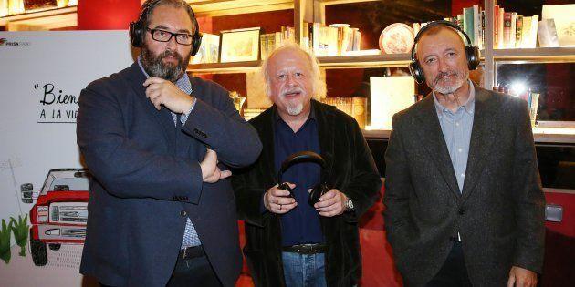 El director de la Cadena SER Antonio Hernández-Rodicio junto a Juan Echanove y Arturo