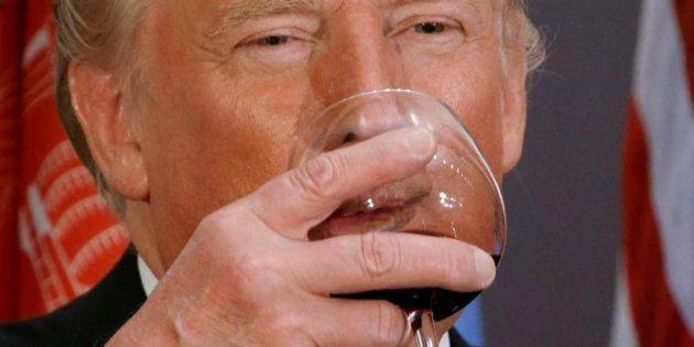 Trump se pone otro 10, esta vez en