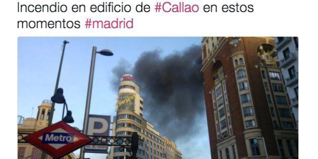 Un incendio en una azotea del centro de Madrid obliga a cortar la Gran Vía en hora
