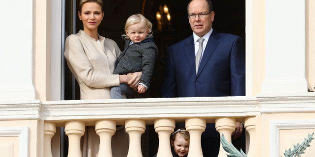 El príncipe Alberto de Mónaco, la princesa Charlene y sus hijos, en una imagen de febrero de