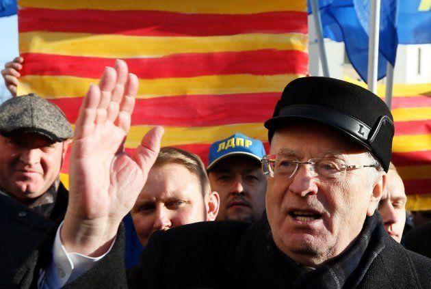 El político ultranacionalista ruso Vladímir Zhirinovski se manifiesta ante el Consulado de España en...