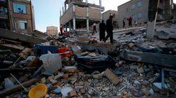 Al menos 400 muertos y miles de heridos en un terremoto en la frontera entre Irán e