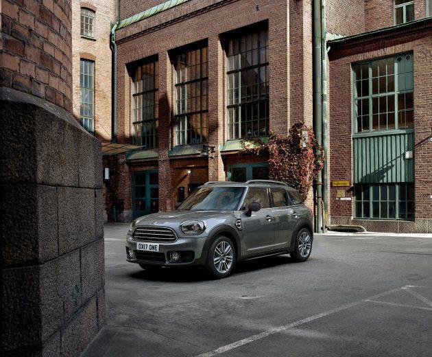 El Mini revoluciona el mercado de coches... a pesar de la