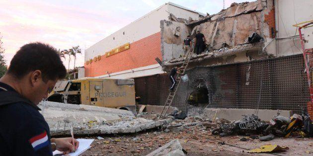 La policía investiga las ruinas del edificio de Prosegur objetivo del