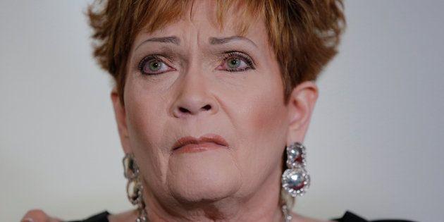 La denunciante, Beverly Young Nelson, asegura que el candidato Roy Moore la acosó sexualmente cuando...