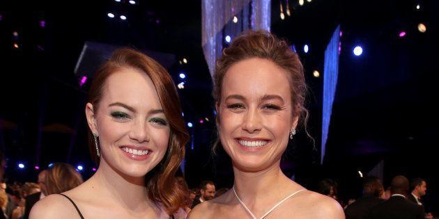 Emma Stone y Brie Larson, en una ceremonia en enero de