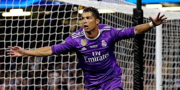 El jugador del Real Madrid Cristiano Ronaldo celebra el gol en la final de la Champions League en