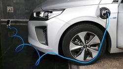 Si quieres comprar un coche eléctrico, estas son las ayudas del Plan