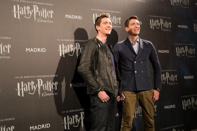 Los gemelos Weasley (James y Oliver Phelps) en la presentación de 'Harry Potter: The Exhibition' en