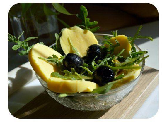Huevos cocidos dorados: el secreto está en agitar