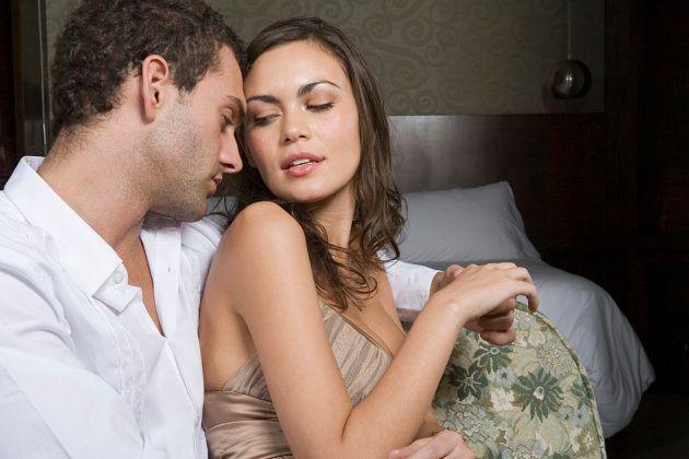 El momento de la relación en el que las mujeres son más propensas a ser